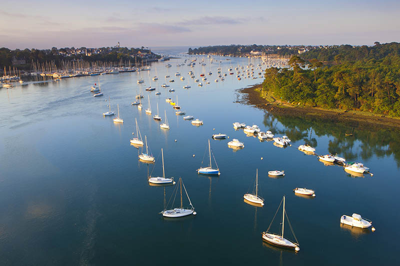 Bénodet, France, Europe, Brittany, department Finistère, river, flow, Odet, river port, harbour, port, boats, town, city, morning light