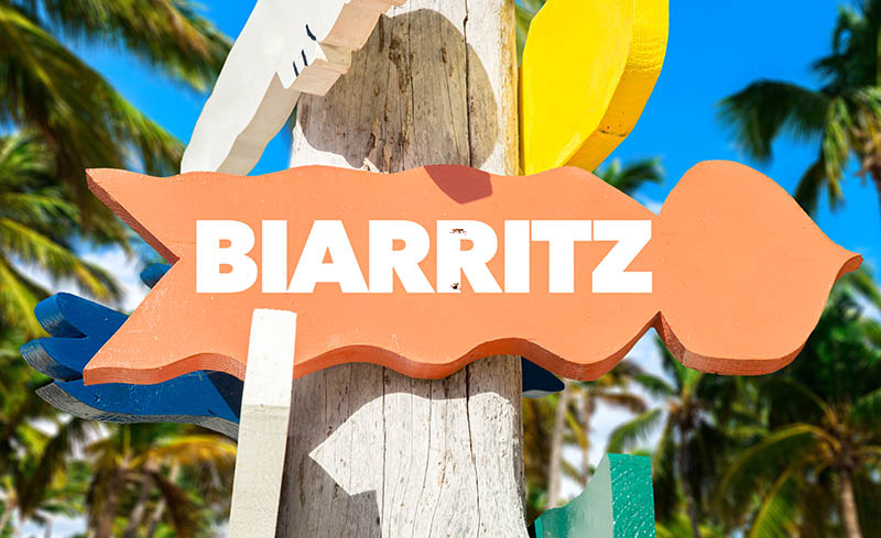 Biarritz directional sign