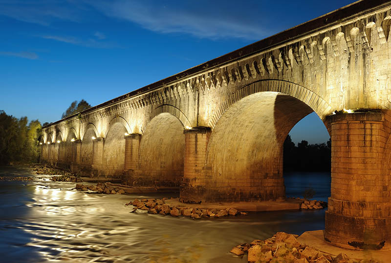 the canal bridge in Agen, South West France