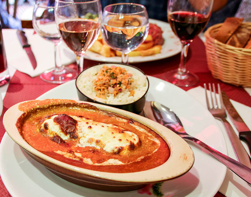 plate of typical quenelle of Lyon