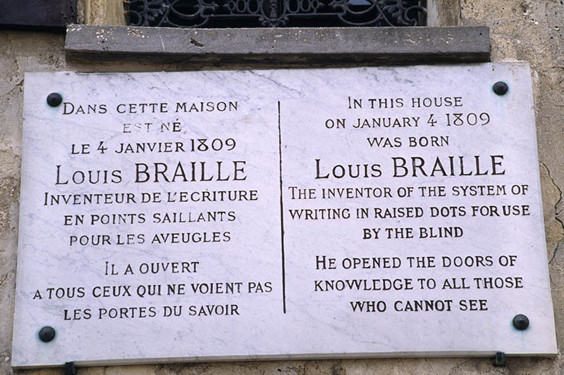 Commemorative plaque on the house of Louis Braille in Coupvray .