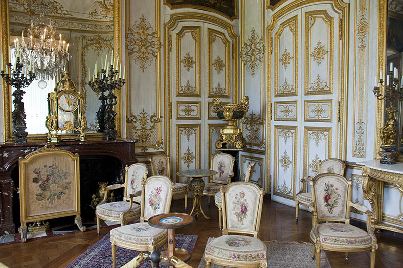 Castle of Chantilly _ The Angle Room or the Cabinet d´Angle