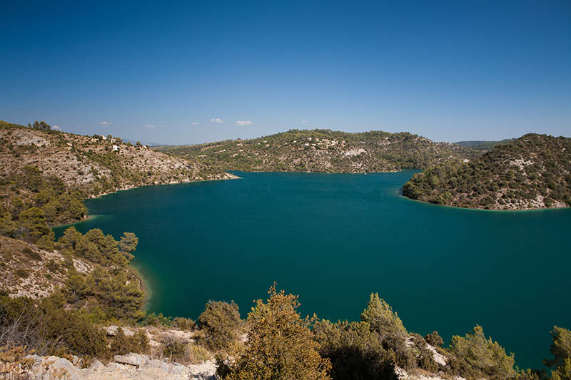 Lake of Esparron in the South of France