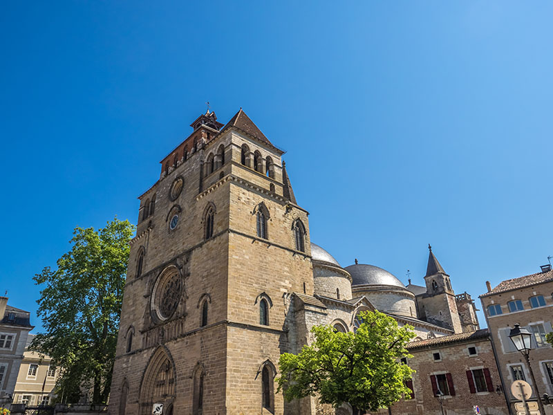 Cathedral Saint-Etienne de Cahors is a Roman Catholic cathedral and a national monument of France in the town of Cahors, Midi-Pyrenees. It is an impressive example of the transition between late Romanesque architecture and the Gothic.